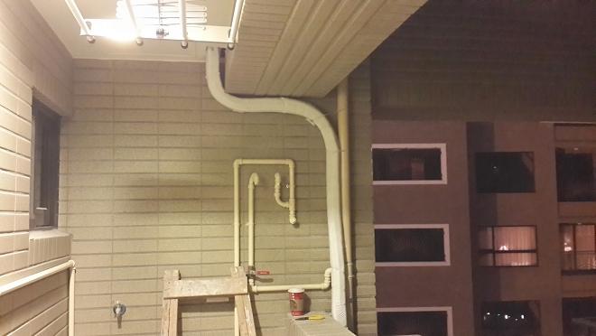 分離式冷氣室外銅管線佈線也不馬虎